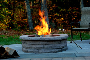 ledgestone_firepit_brown_sticks